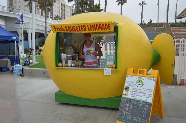 Sd lemon life lemonade stand on oceanside beach go for Lemon shaped lemonade stand