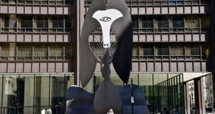 Richard J Daley Plaza - Chicago North Side Tour