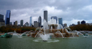Buckingham Fountain Chicago - Best of Chicago Tour