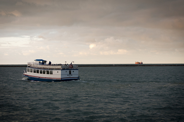 Lake Michigan Cruises on Memorial Day Weekend in Chicago