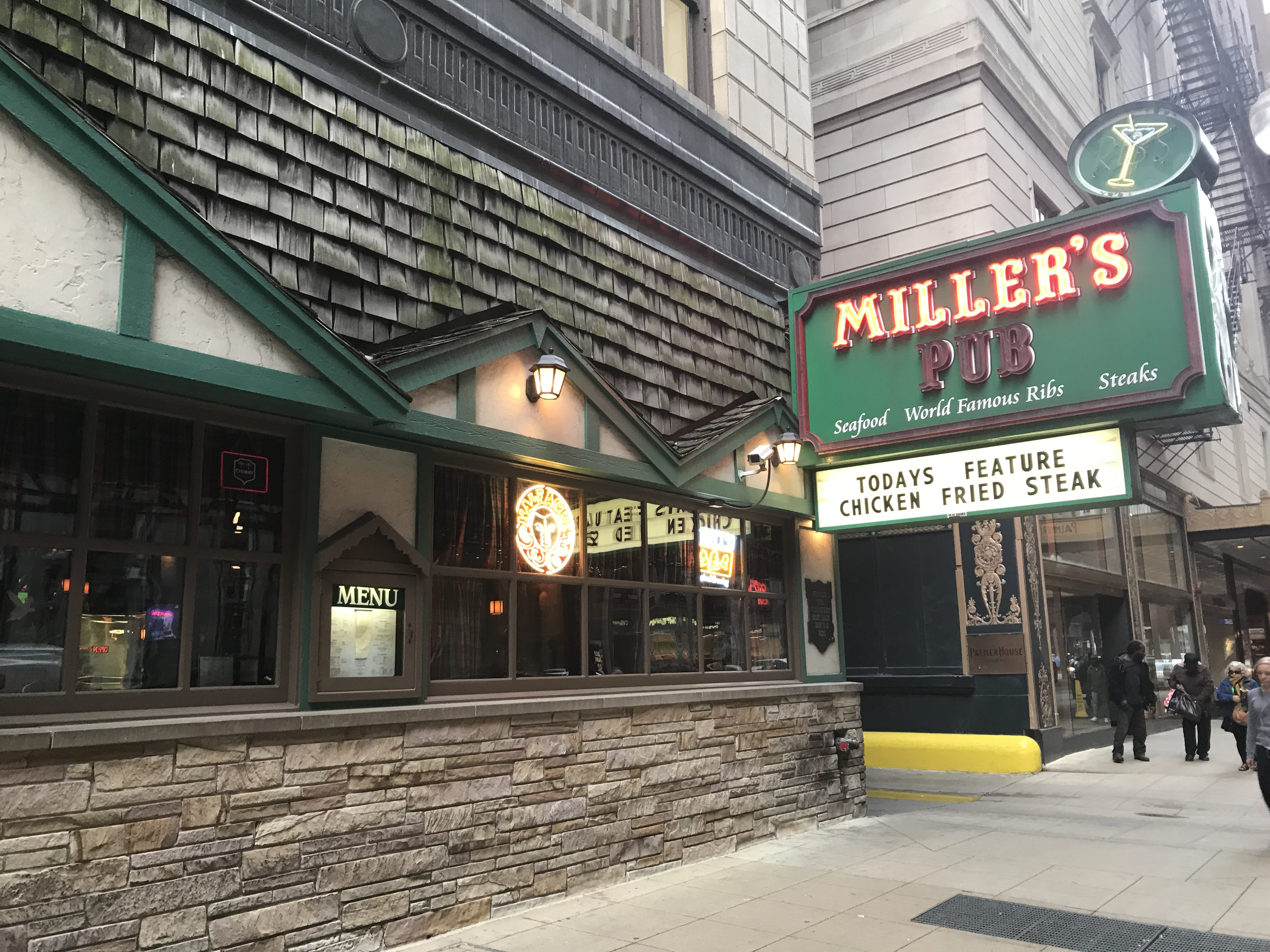 Pet Friendly Hotels In Chicago Downtown