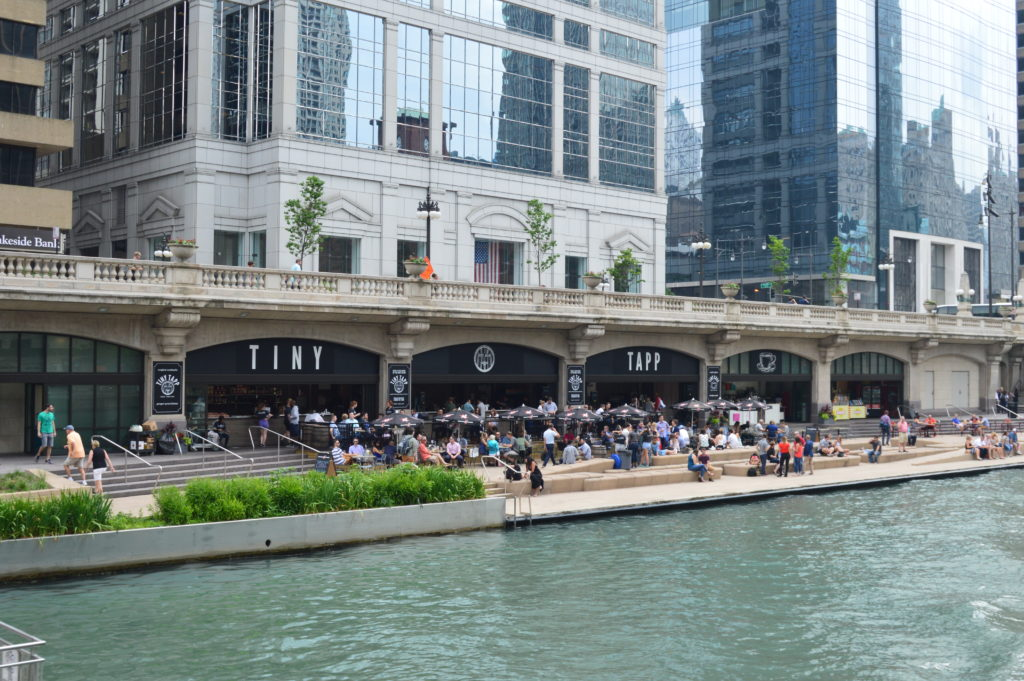 Best Waterfront Bars And Restaurants In Chicago Go Visit