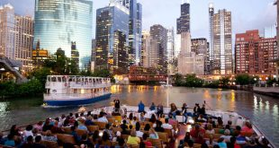 Chicago River and Lake Architecture Cruise