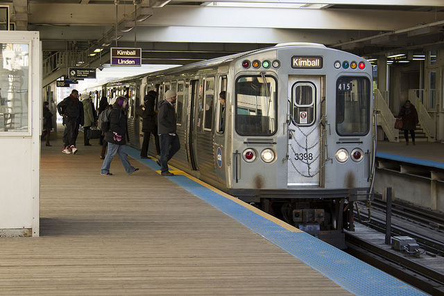Getting Around Chicago by CTA Trains