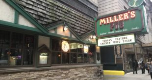 Miller's Pub in Chicago downtown