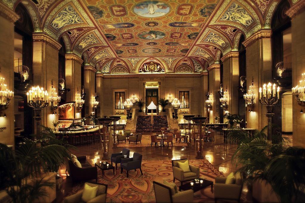 Palmer House Hotel Near Art Institute of Chicago